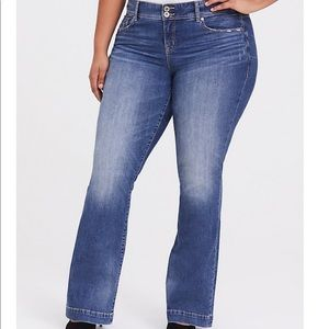 NWT Torrid Vintage Stretch Flare Jeans Size 28XS